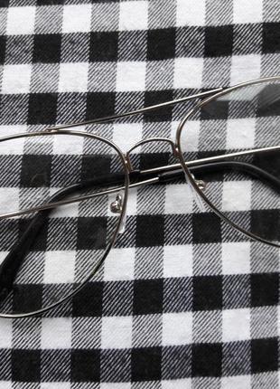 Имиджевые очки с серебряной оправой