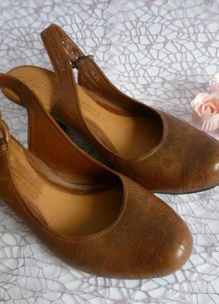 Туфли коричневые clarks кожа 🌸