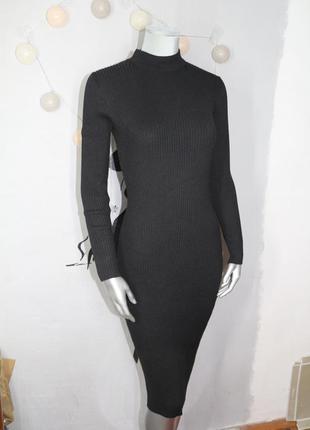 Черное миди платье в рубчик clockhouse