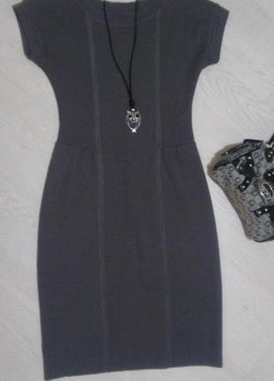 Итальянское элегантное трикотажное платье из мериносовой шерсти