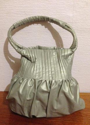 Вместительная сумка шоппер жемчужного цвета