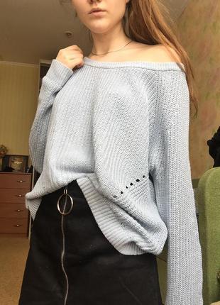 Пастельно голубой свитер