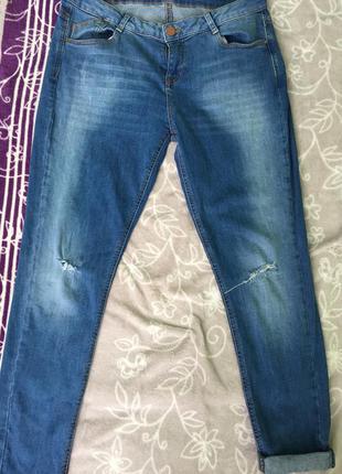Классные джинсы рваные