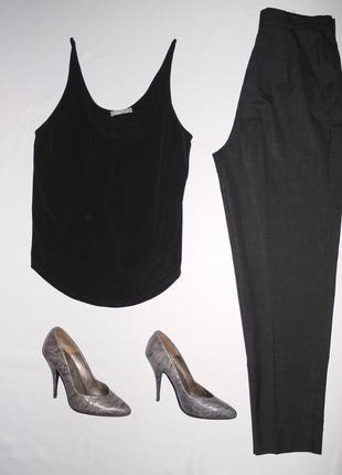 Zara w&b . черная майка / блуза на бретелях . ткань шелковистая . по фигуре