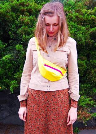 Бананка,сумка на пояс желтая