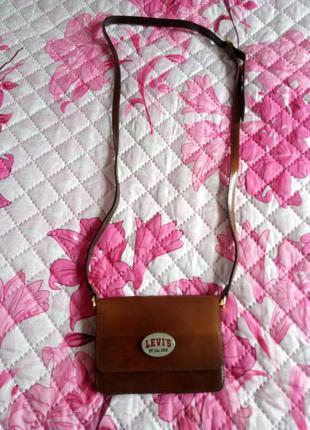 Натуральная кожаная сумка оригинал фирмы levi's