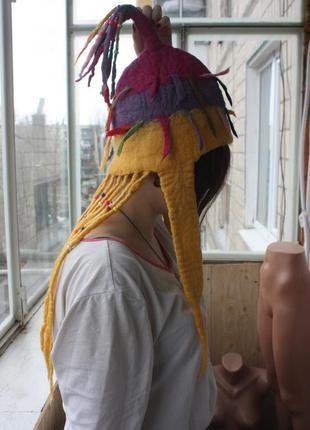 Эксклюзивная шапка из шерсти валяная супер оригинальная с дредами