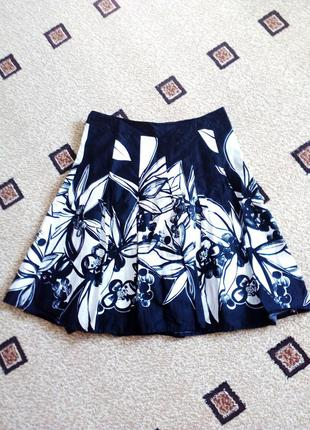 Черно-белая юбка на лето