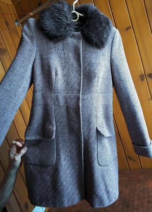 Пальто с меховым воротником весна осень