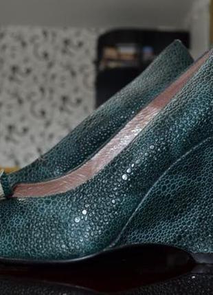Туфли размер 39 принт кожа крокодила