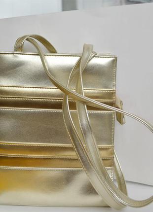 Сумочка серебристо - золотистая и пояс золотистого цвета металлик