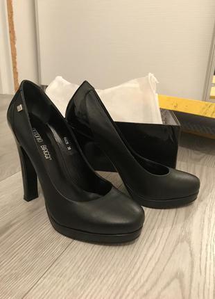 Шикарные классические туфли antonio biaggi