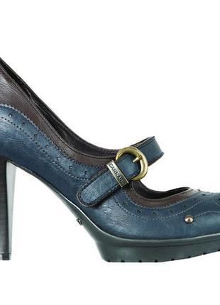Туфли на высоком каблуке carnaby