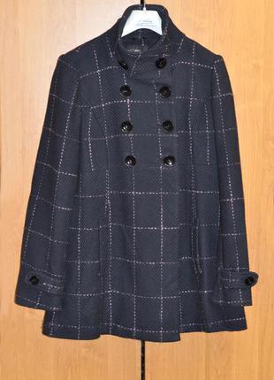 Шерстяное двубортное пальто в клетку