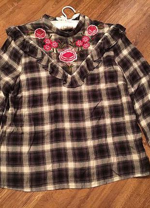 Блуза с вышивкой tu