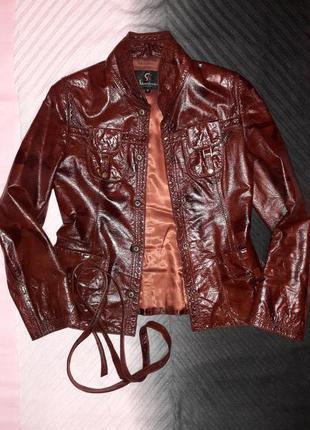 Стильная кожаная куртка пиджак с поясом.кожа 100%