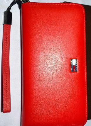 Кожаный красный кошелек-клатч на молнии tommy hilfiger