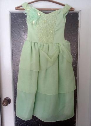 Платье нежно-салатового цвета с корсетом на утренник