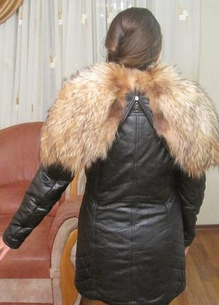 Кожаное пальто-пуховик куртка мех енот
