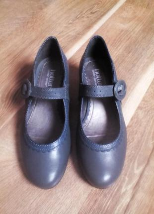 Распродажа...туфли hotter comfort  37 размер