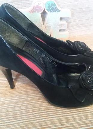 Туфли из натуральной замши nessi