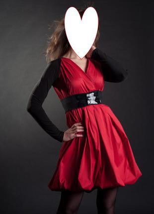 Красивое красное  (алое) платье-баллон