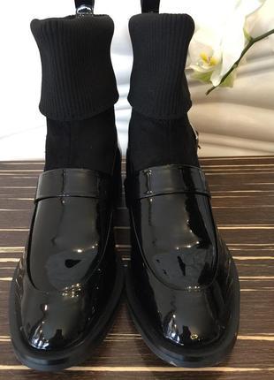 Ботинки givenchy черные лаковые с ремешком