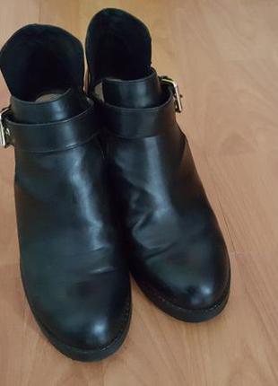 Ботинки открытые pull and bear искусственная кожа эко на среднем каблуке3