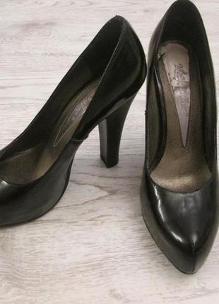Туфли повседневные натуральная кожа  на устойчивом удобном каблуке