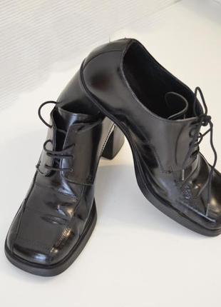 Туфли лаковая натуральная кожа италия