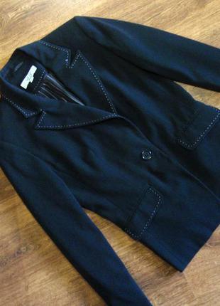 Стильный приталенный пиджак / блейзер / жакет со строчкой