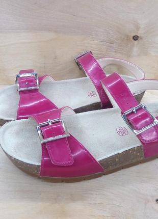 Кожаные сандали - босоножки clarks air ( 33 размер )