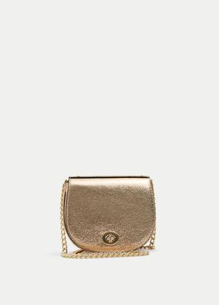 Золотистая сумочка pull&bear