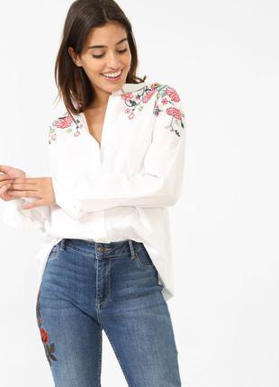 Шикарна білосніжна блуза рубашка вільного крою з вишивкою на стильних дівчат