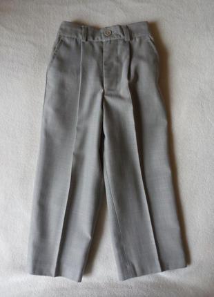 Продам брюки на 2-3 года в отличном состоянии