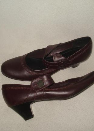 42-43,5 р./28 см.фирменные классические кожаные туфли