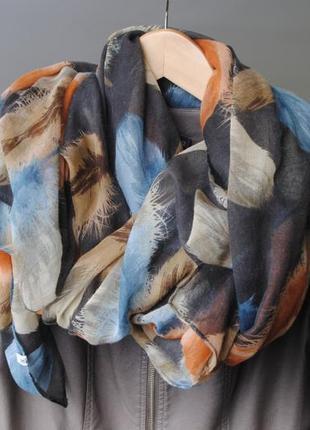 Широкий шарф broadway