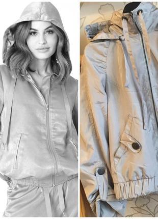 Стильная куртка (ветровка ) vila