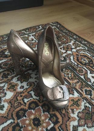 Золотые туфли dolce&gabbana