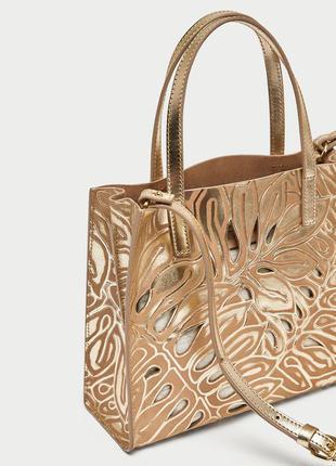 Золотая кожаная сумка мини-шоппер с перфорацией zara