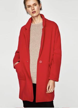 Лёгкое красное пальто zara oversize с карманами на одну пуговицу