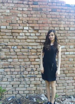 Крутое платье с кожаними вставками