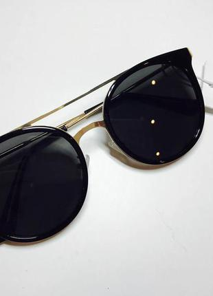 Солнцезащитные очки h&m  на лето