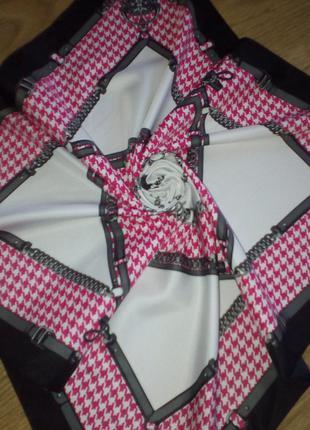 Красивый итальянский шейный платок ручной работы