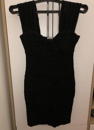 Короткое чёрное платье river island