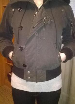 Деми куртка colin's