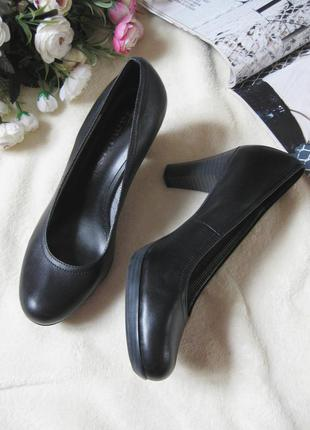 Классические черные туфельки tamaris, натуральная кожа, р-р 36