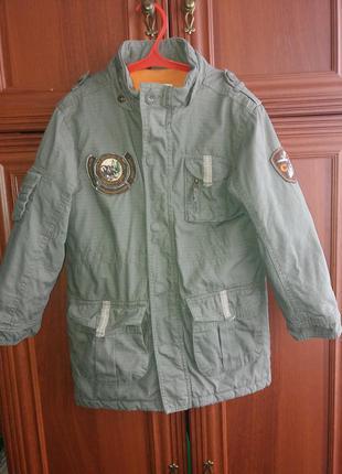 Деми курточка цвета хаки