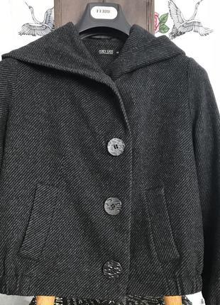 Пальто с капюшоном италия