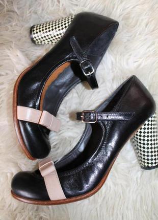 40 разм.   дизайнерские туфли chie mihara. кожа. оригинал. испания